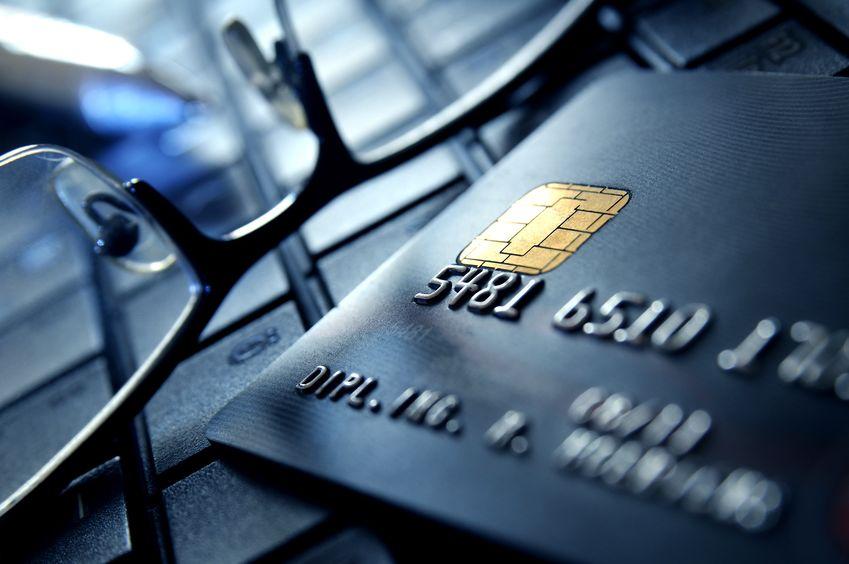 51信用卡于今日13点起复盘  股价大涨30%