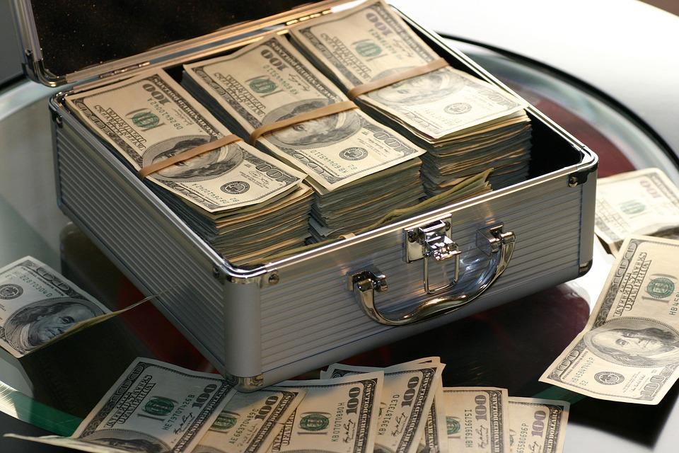 长沙银行拟对长银五八消费金融增资3亿元,后者前三季度亏损238万元