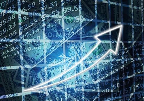 二三四五三季度报:ROE同比显著增长,后续需关注资金链情况