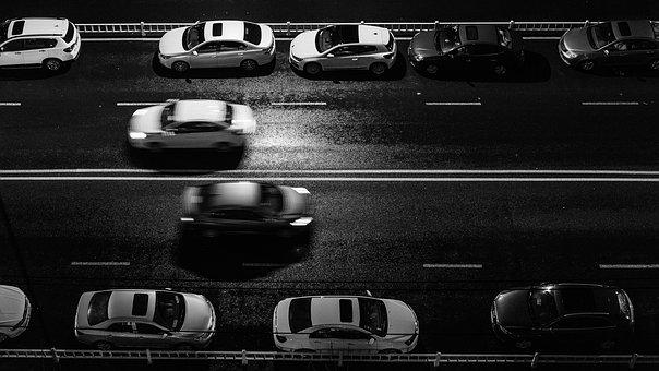 中汽协:9月汽车产销量下滑11.7%  新能源汽车产销增长明显