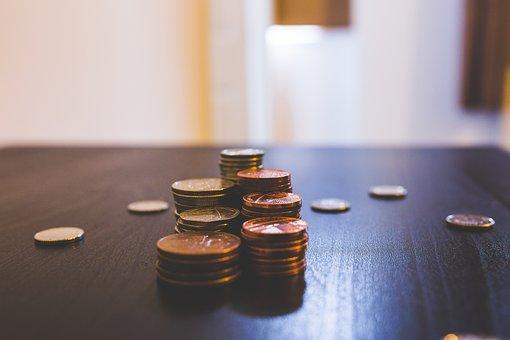 央行盛松成:货币政策与去中心化是数字货币的悖论