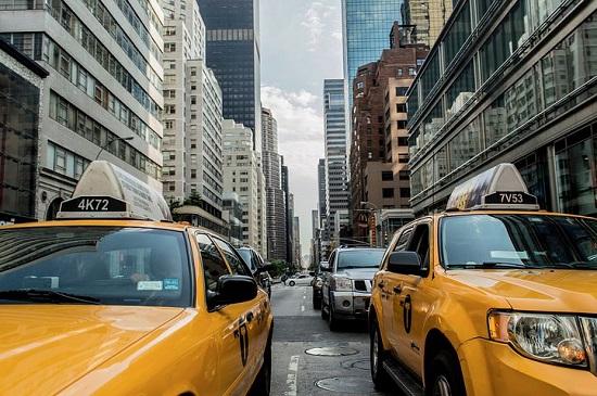 武汉网约车纳入出租车管理条例 线上线下服务车辆不一致可罚3万