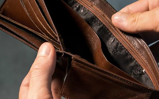 人民法院建议推动建立个人破产制度,这一制度对消费金融发展有何影响?