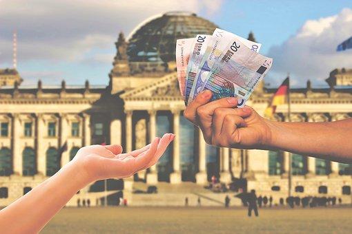 2018年央行金融数据:M2增长8.1% 人民币贷款增加16.17万亿