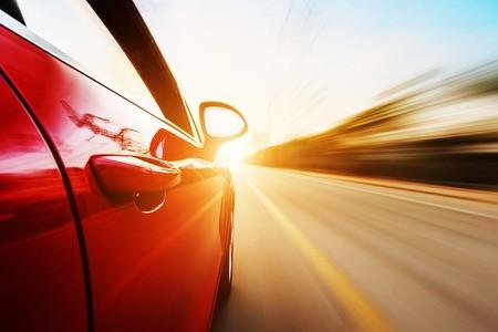 拼多多上线整车销售业务,用户增速不及预期致股价暴跌