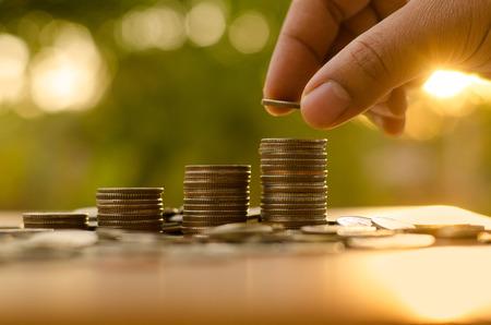 中央政治局會議敲定發行特別國債,適當提高財政赤字率