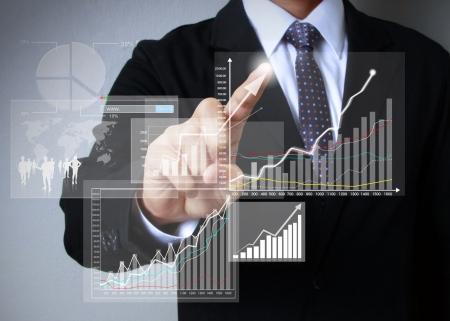 明源云上市首日暴涨86%!巨头加速入局,地产科技或迎大爆发